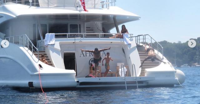 cristiano-ronaldo-yacht.png