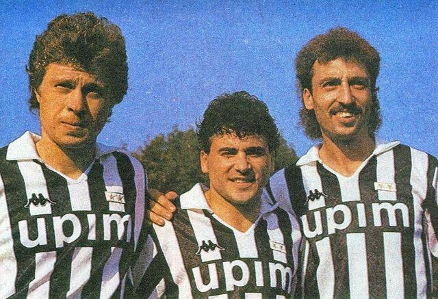 5d1a219e6f09f_Juventus_1989-90_-_Zavarov_Barros_e_Aleinikov.jpeg.9baf97e1c48aaf979598f3ac2588fe50.jpeg
